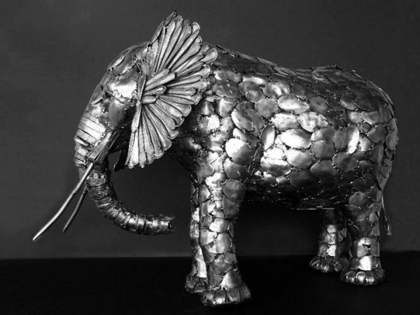 Animal-Sculptures-Made-out-of-Welded-Flatware-1-600x450