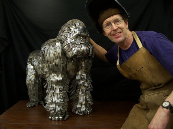 Animal-Sculptures-Made-out-of-Welded-Flatware-15-600x450