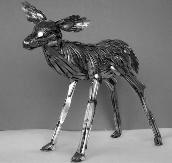 Animal-Sculptures-Made-out-of-Welded-Flatware-4-600x569