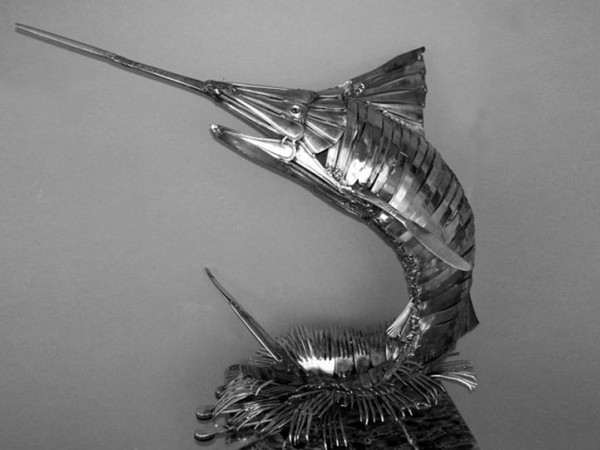 Animal-Sculptures-Made-out-of-Welded-Flatware-7-600x450