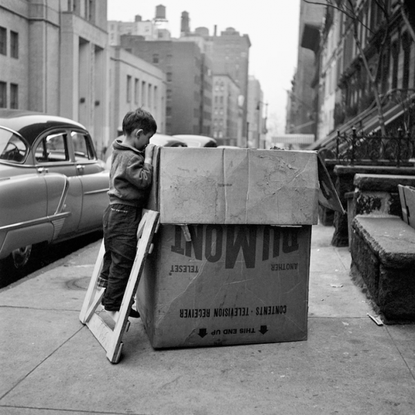 Photography-by-Vivian-Maier-21-600x600