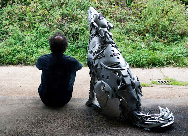 hubcaps-recycling-art-upcycling-ptolemy-elrington-9