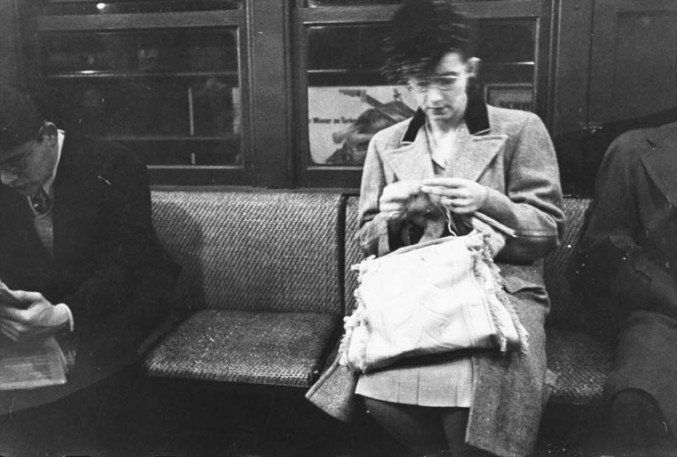 stanley-kubrick-nyc-subway-in-1946-10-677x457