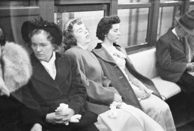 stanley-kubrick-nyc-subway-in-1946-4-677x456