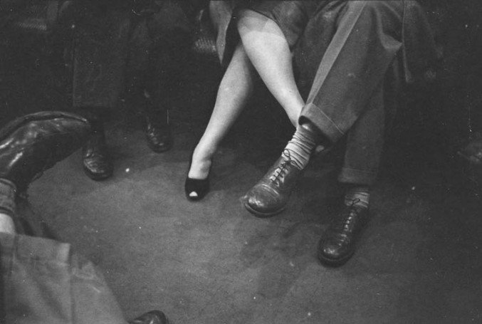 stanley-kubrick-nyc-subway-in-1946-5-677x455