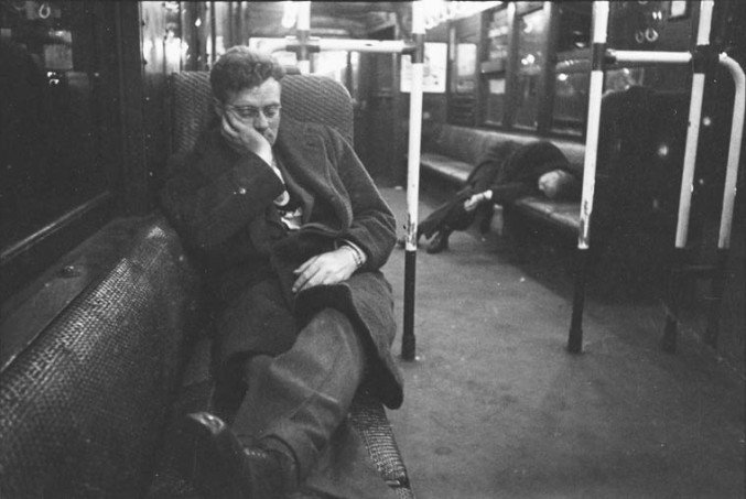 stanley-kubrick-nyc-subway-in-1946-7-677x453
