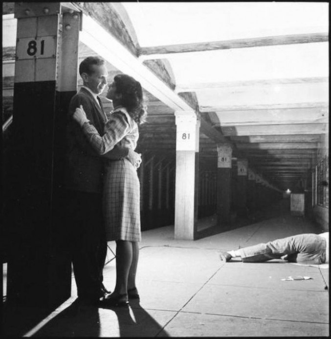 stanley-kubrick-nyc-subway-in-1946-8-677x692